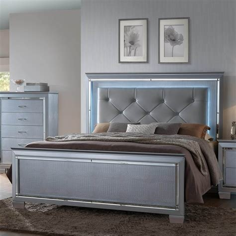 Best Lillian Bling Queen Bed By Crown Mark Bedroom Furniture With Pictures