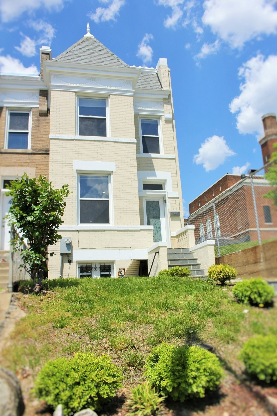 Best R St Ne Washington Dc 20002 3 Bedroom Apartment For Rent Padmapper With Pictures
