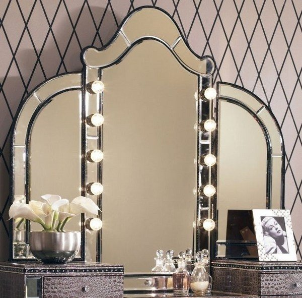 Best Vanity Table With Tri Fold Mirror – Elegant Bedroom With Pictures