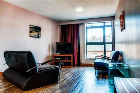 Best Junior 1 Bedroom Apartment In Leeds 10 Swinegate With Pictures