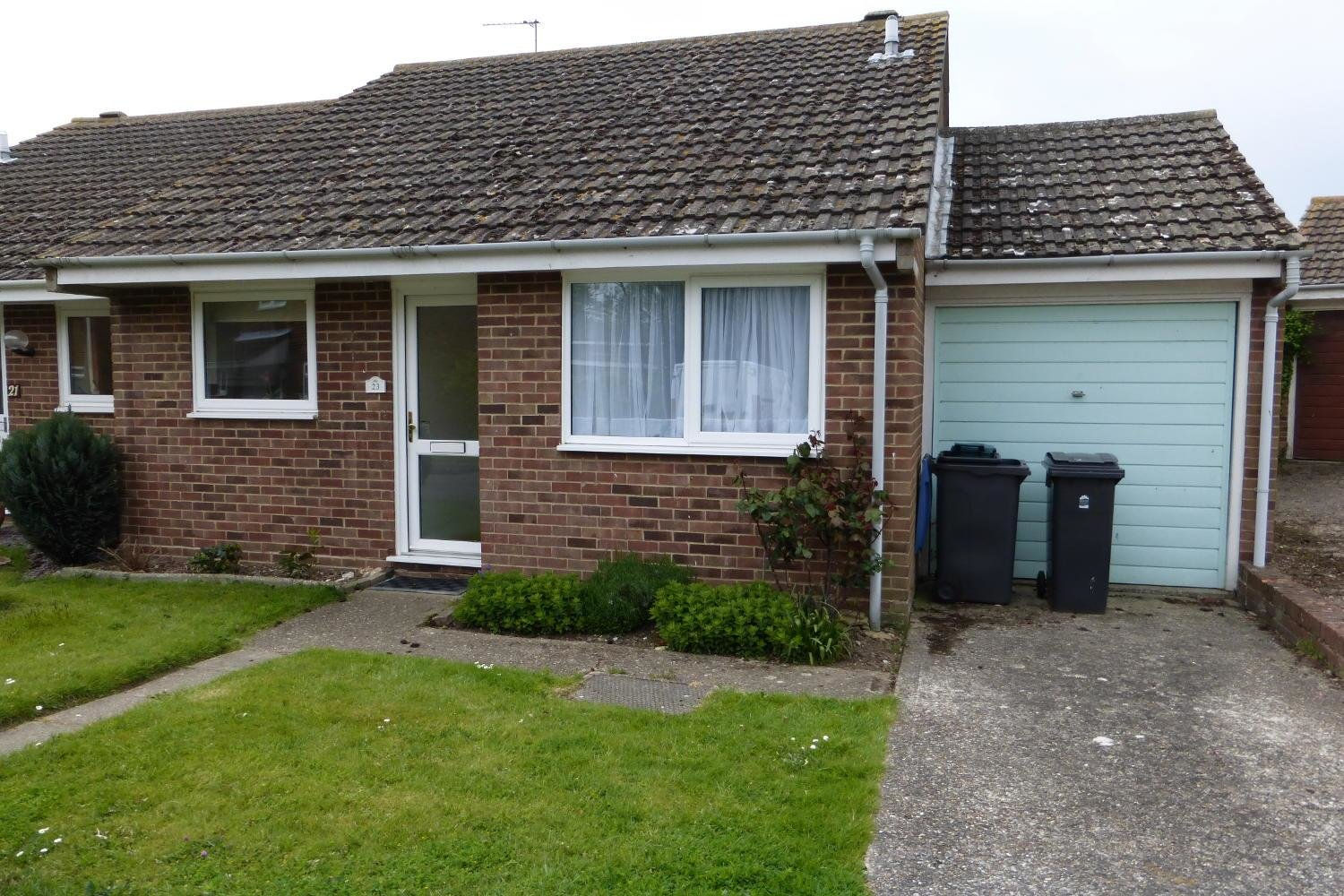 Best 2 Bedroom Bungalow To Rent In Ash Canterbury The Online With Pictures