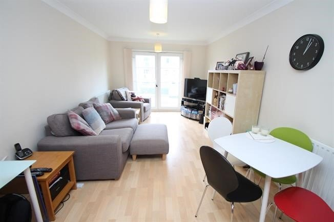 Best 2 Bedroom 2 Bathroom Flat Sydenham Road Croydon Close To With Pictures