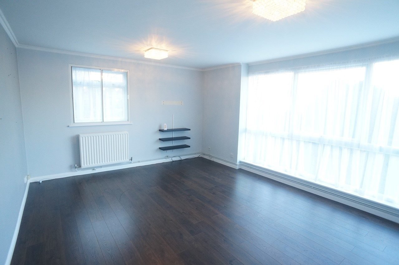 Best Two Bedroom Modern Flat With Private Parking And Garage To With Pictures