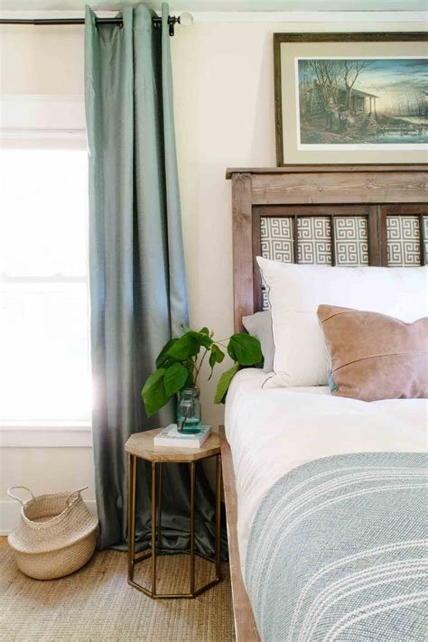 Best Making A King Bed Work In A Small Bedroom Tallproblems Tiny House Giant Life With Pictures