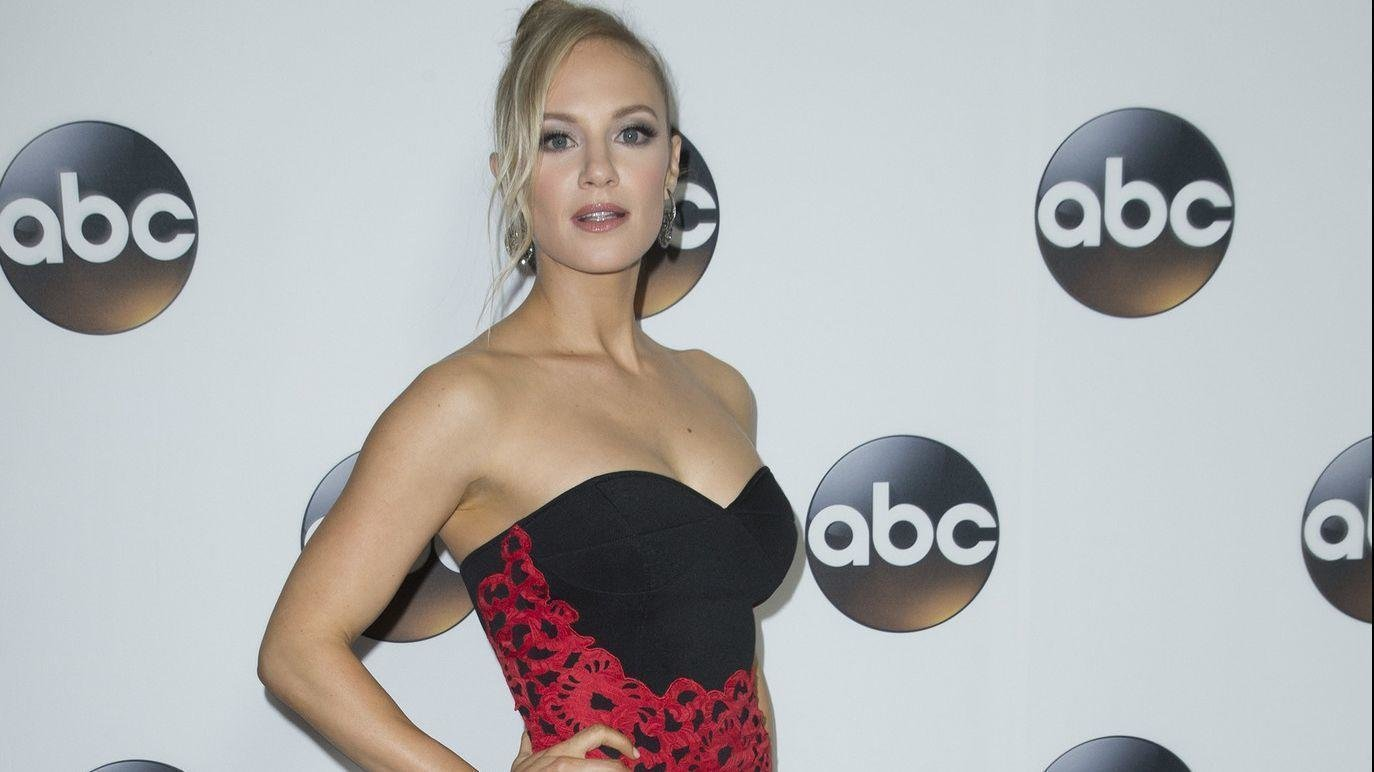 Best Station 19 Star Danielle Savre Longs For Chicago Summer Chicago Tribune With Pictures