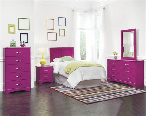 Best Raspberry Bedroom Collection American Freight With Pictures