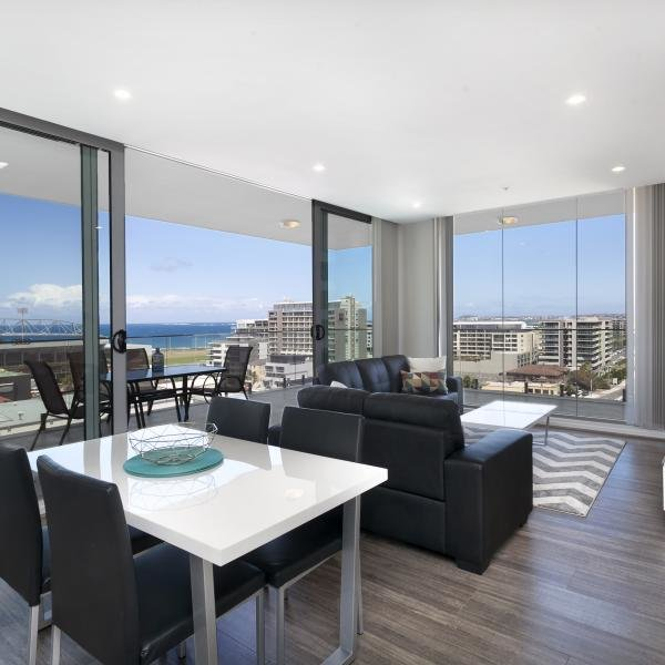 Best 2 Bedroom Premium Apartment In Wollongong Burelli Street With Pictures