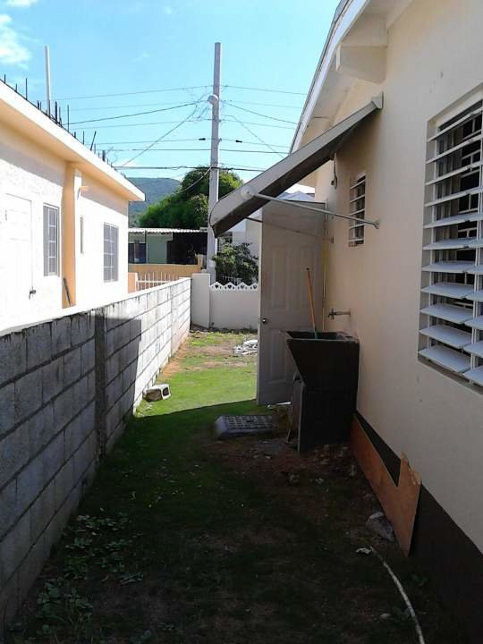Best 2 Bedroom House For Rent In St Catherine Fiwiclassifieds With Pictures