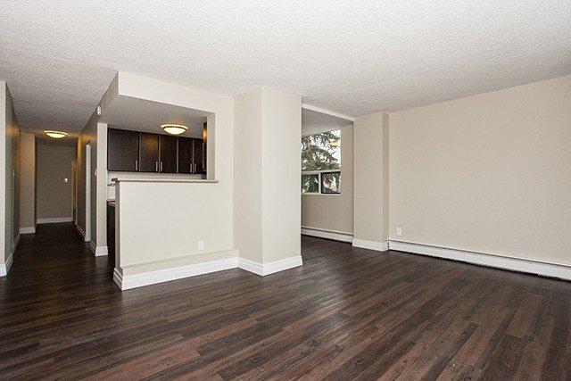 Best 2 Bedroom Apartments For Rent Edmonton At Grandin Tower With Pictures
