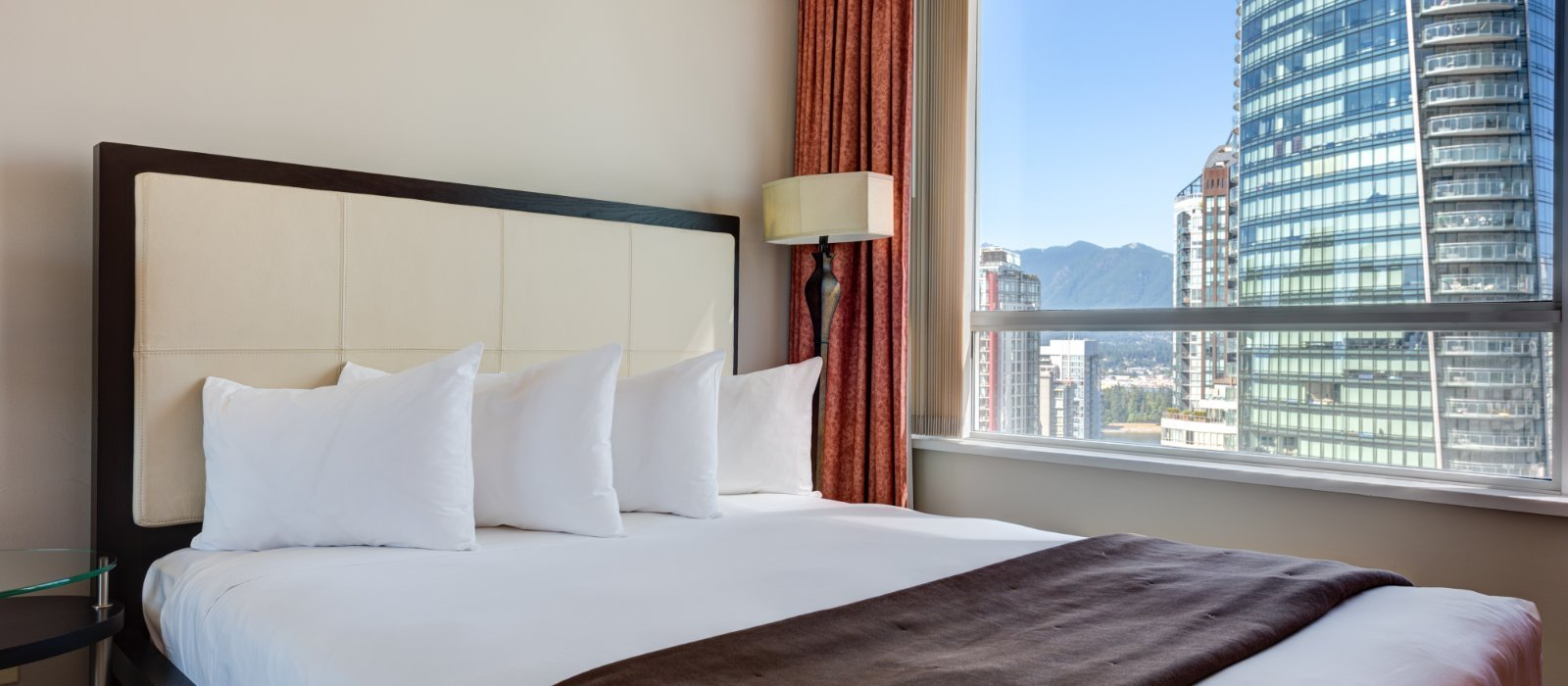 Best Boutique Hotel Suites In Vancouver Downtown Carmana Plaza With Pictures