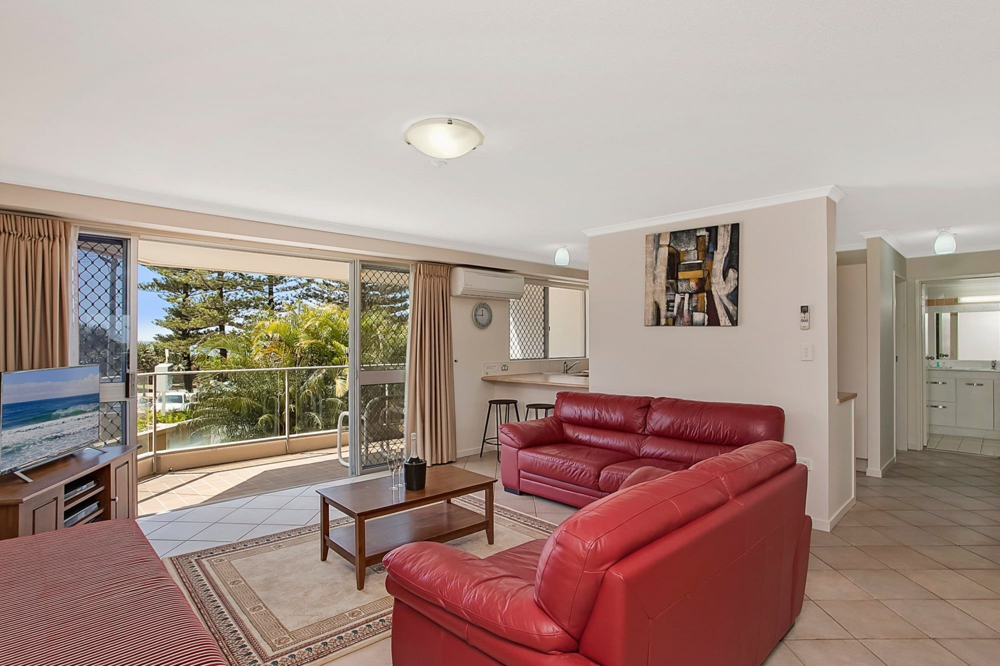 Best 2 Bedroom Ocean View Burleigh Heads Apartments Solnamara With Pictures
