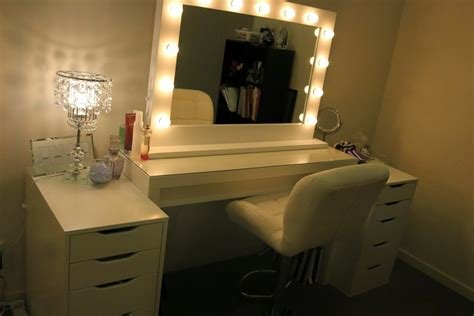 Best Vanity Mirror With Lights For Bedroom Like Professional With Pictures