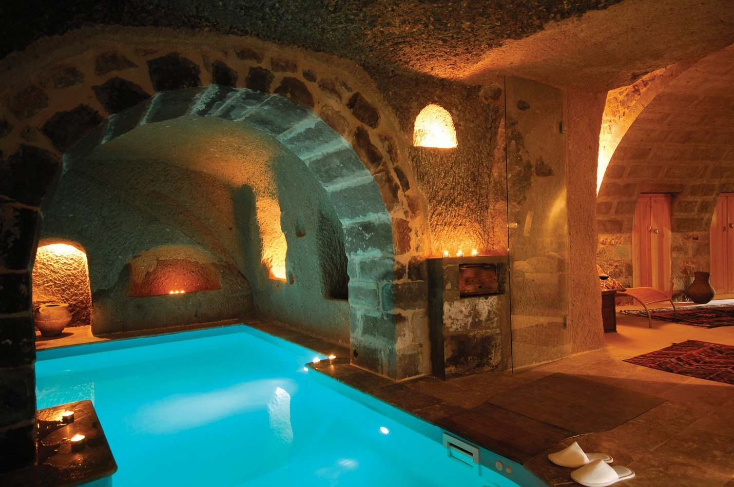 Best Cave Hotels Kitesnsights With Pictures
