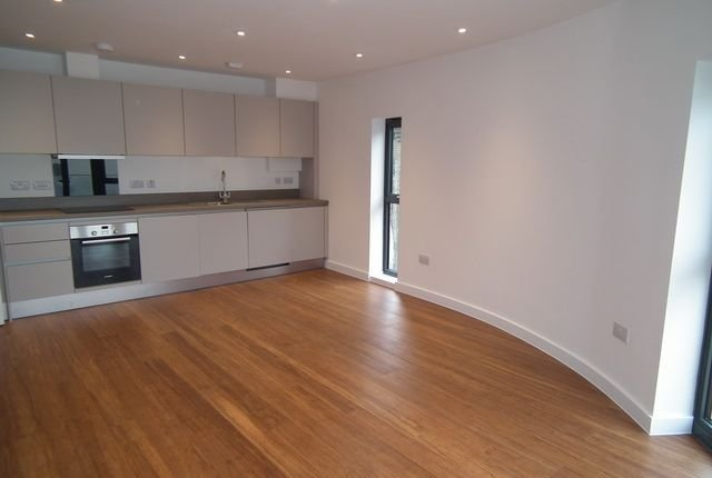 Best 2 Bed Flat To Rent In Roxeth Green Avenue Harrow Ha2 With Pictures
