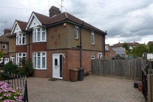 Best 3 Bedroom Houses To Buy In Luton Bedfordshire Primelocation With Pictures