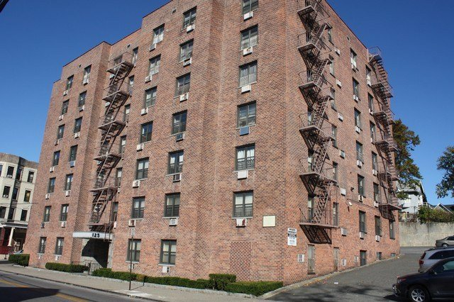Best 125 Radford St Yonkers Ny 10705 1 Bedroom Apartments For Rent For 1 225 Month Zumper With Pictures