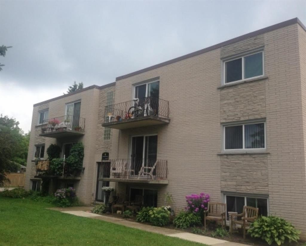 Best 11 Manhattan Ct Guelph On N1E 3W1 3 Bedroom Apartment With Pictures