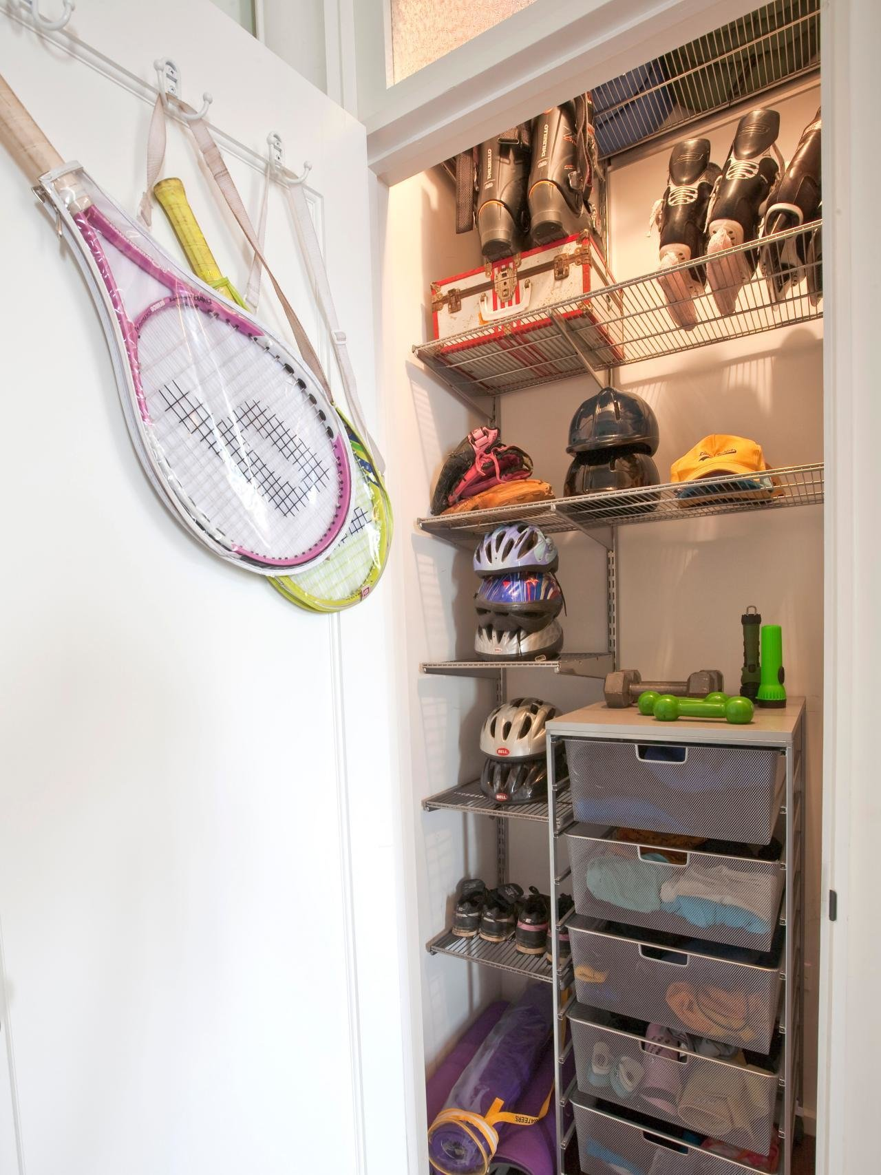 Best Tips For Organizing A Small Reach In Closet Hgtv S With Pictures