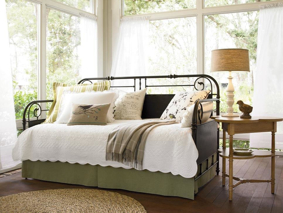 Best 10 Dreamy Daybeds We Adore Hgtv With Pictures