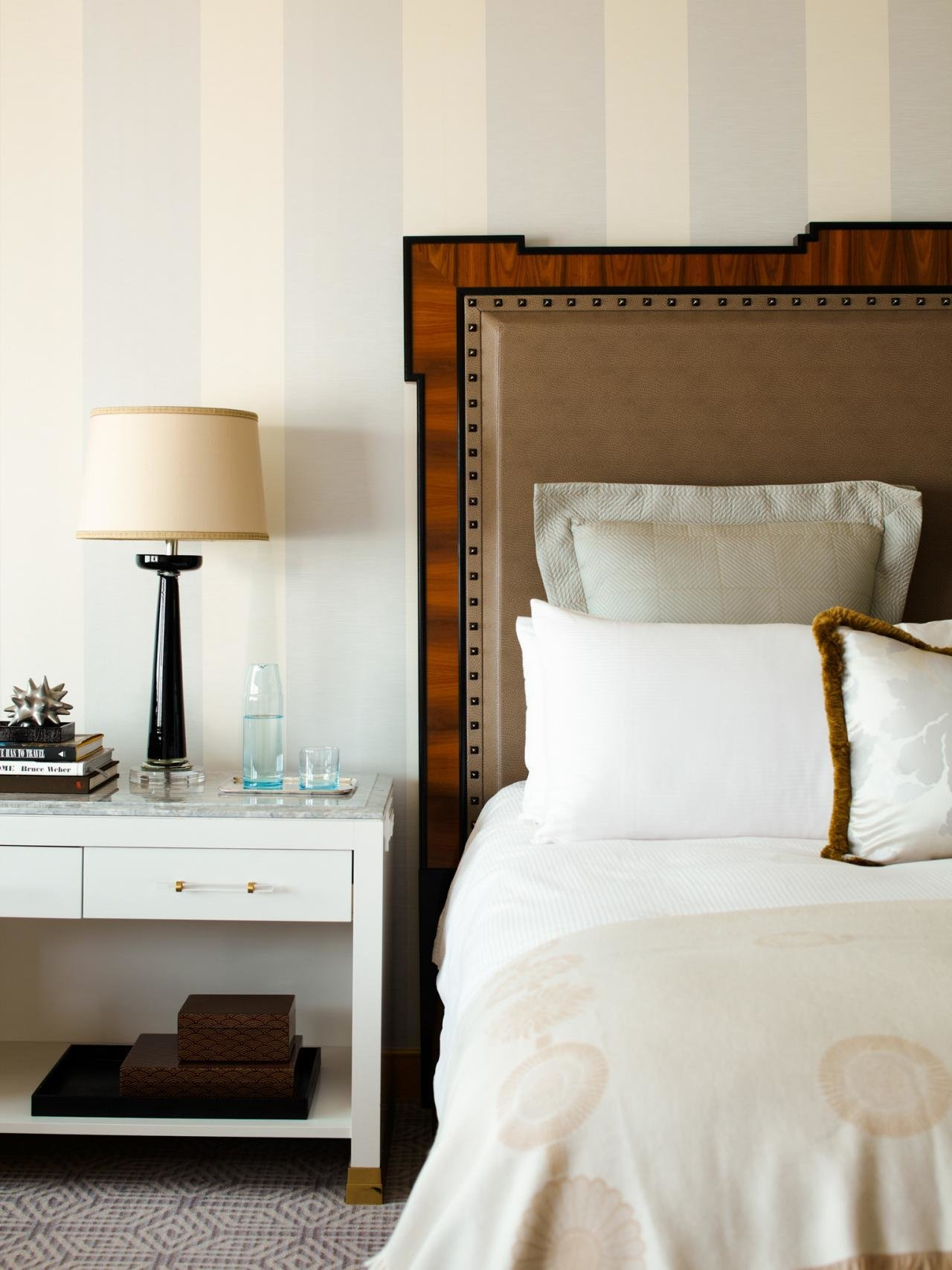 Best Navy Blue Bedrooms Pictures Options Ideas Hgtv With Pictures