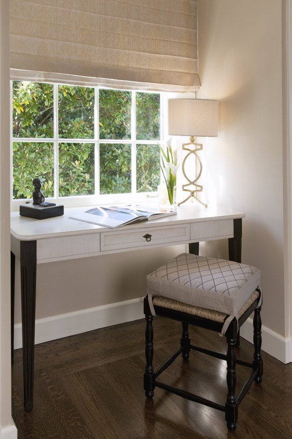 Best Simple Writing Desks For Small Spaces Homesfeed With Pictures