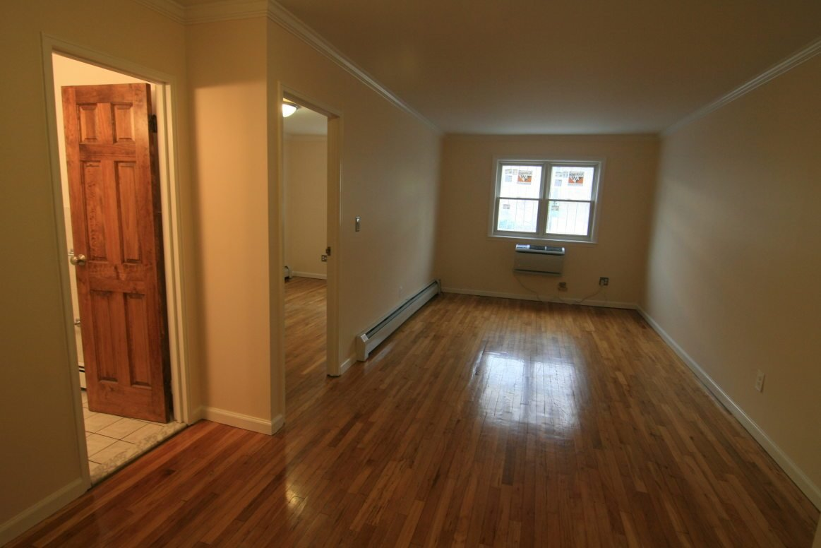 Best Perfect One Bedroom Ditmars Apartment With All Utilities With Pictures