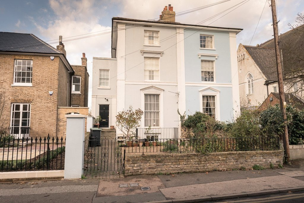 Best 1 Bedroom Flat For Sale In Forge Place Forge Lane Gravesend Da12 London With Pictures