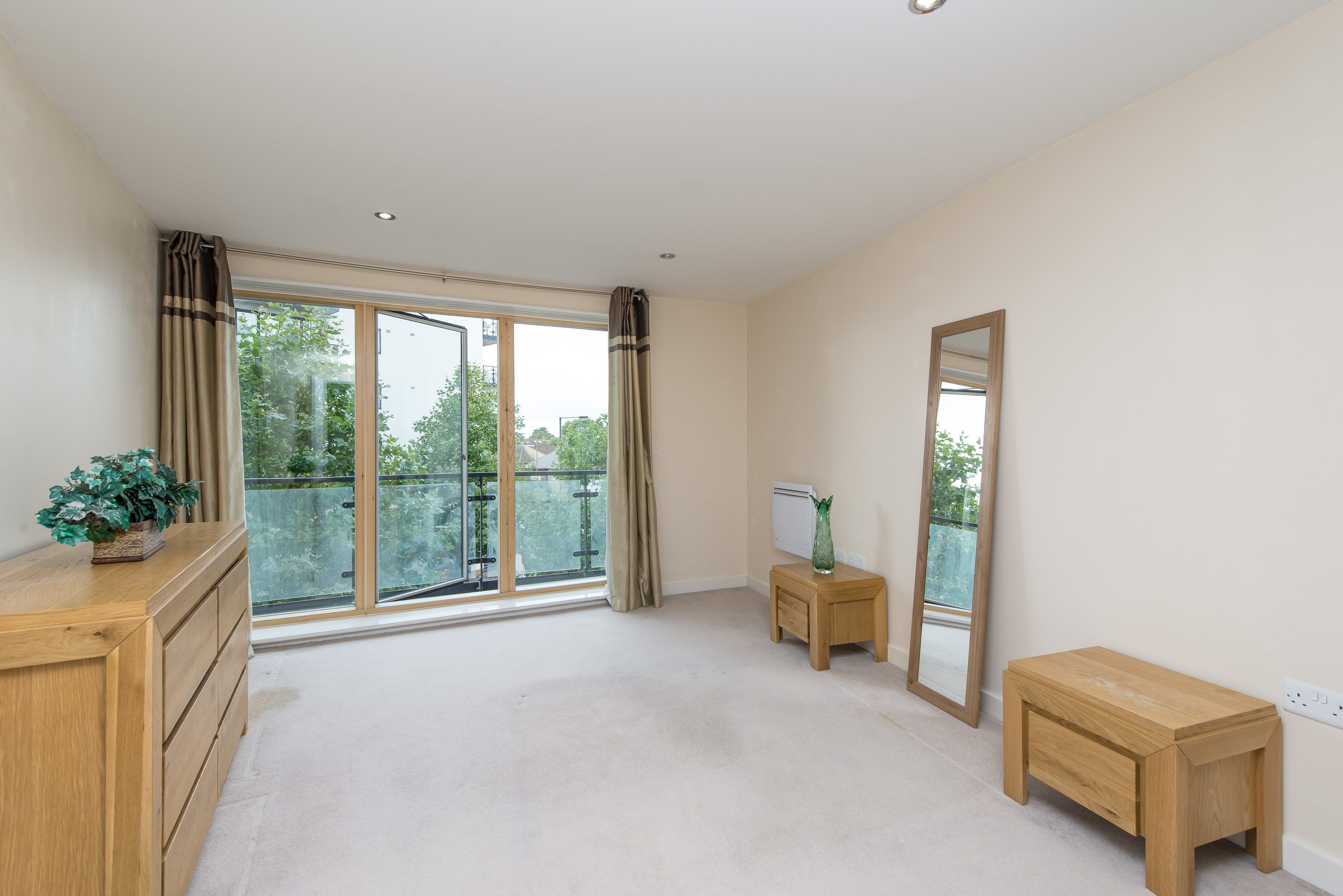 Best 1 Bedroom Flat For Sale In Reed House Durnsford Road With Pictures