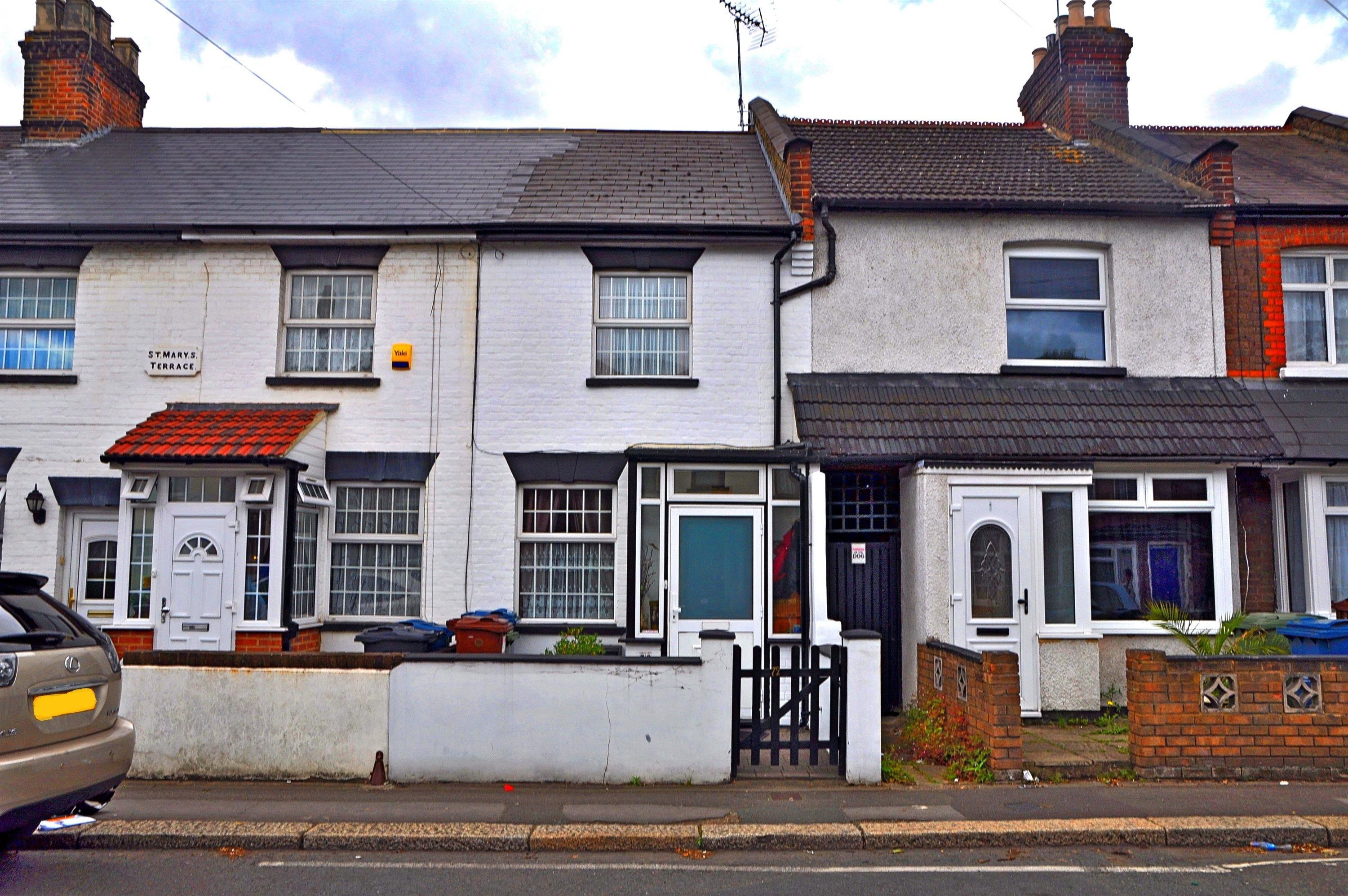 Best 3 Bedroom Terraced House For Sale In Byron Road Harrow With Pictures