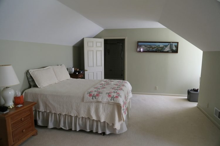 Best Angled Walls Or Slanted Ceilings Why You Need To Paint With Pictures