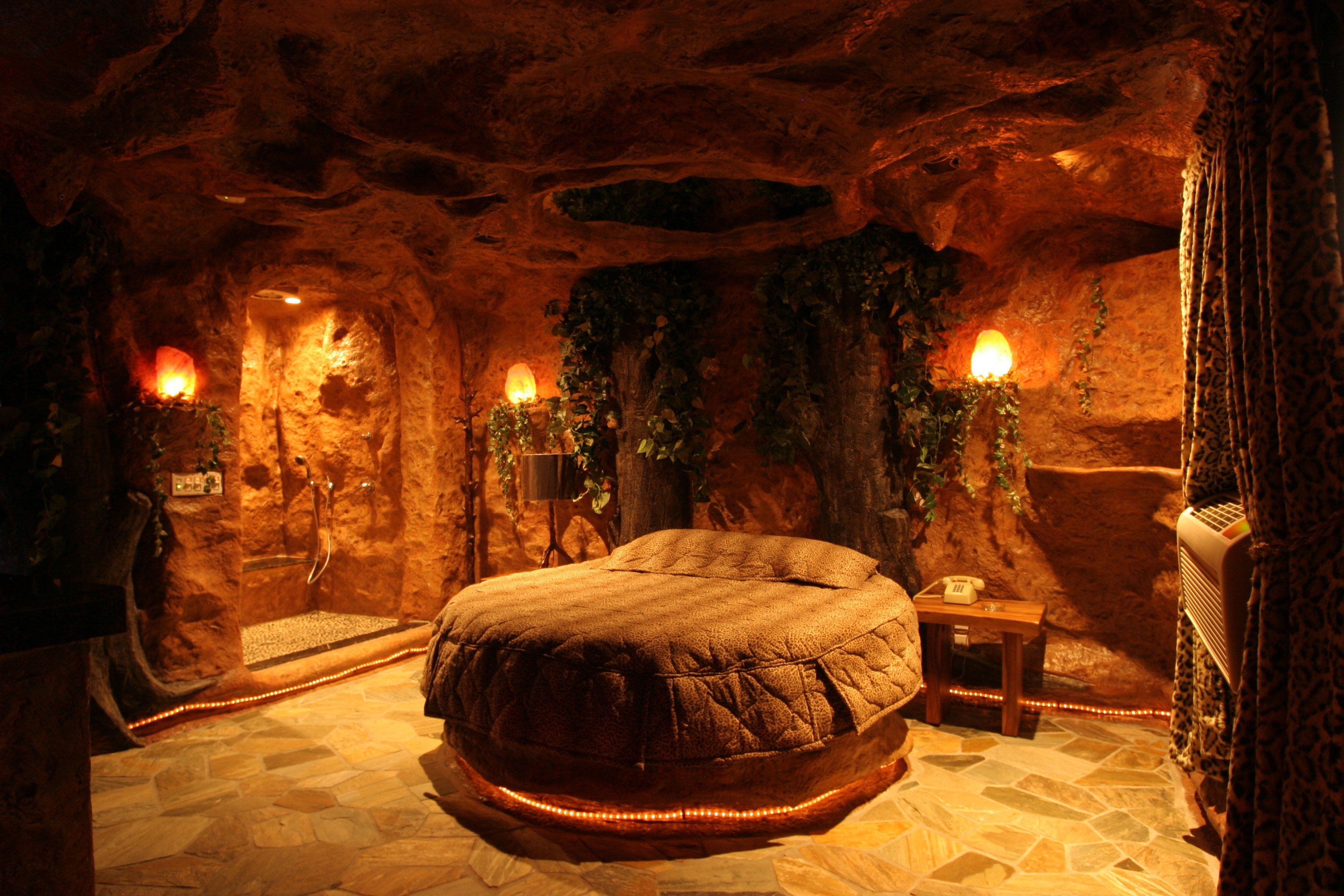 Best A Tour Of The Cave Room Fantasy Diaries From Executive With Pictures