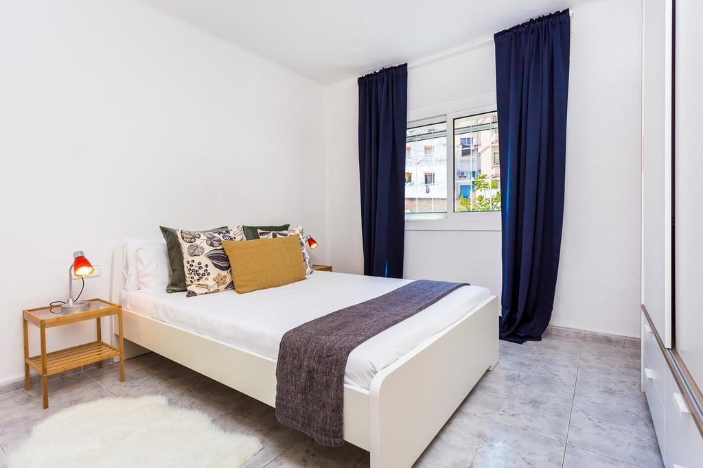 Best Apartment Charming 2 Bedroom In Front Of The Underground With Pictures