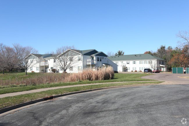 Best Otter Creek Apartments Apartments Eau Claire Wi With Pictures