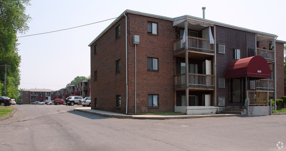 Best The Dale House Rentals Chicopee Ma Apartments Com With Pictures
