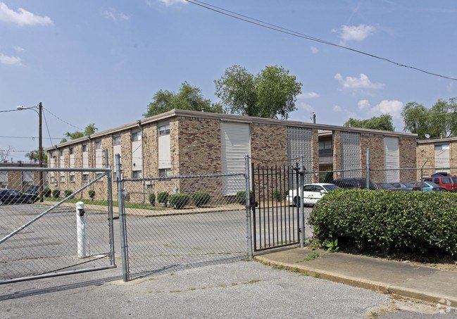 Best Cottonwood Apartments Apartments Memphis Tn With Pictures