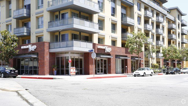 Best Living At Noho Apartments North Hollywood Ca With Pictures