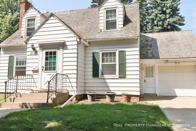 Best Two Story 3 Bedroom In Mckennan Park House For Rent In With Pictures