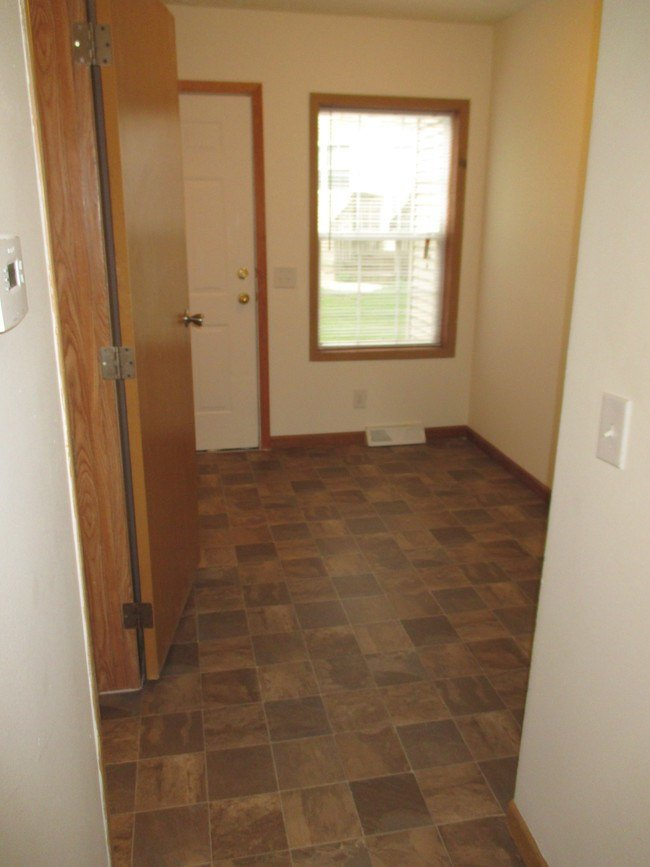 Best Edgewood Villas Apartments Apartments Lansing Mi With Pictures