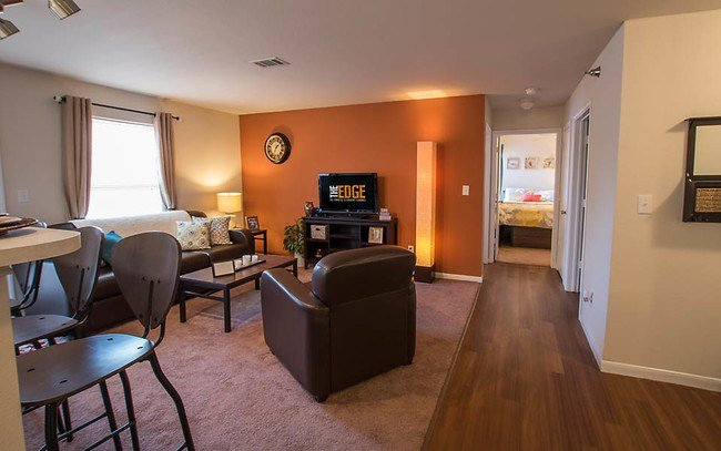 Best The Edge Apartments Bowling Green Oh Apartments Com With Pictures