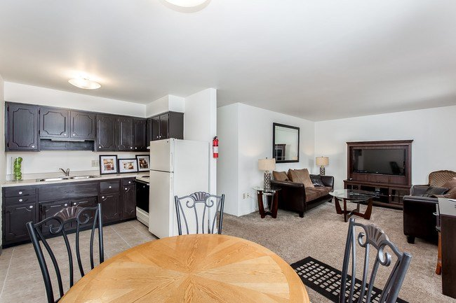Best Colony Square Apartments Llc Apartments Columbus Oh With Pictures