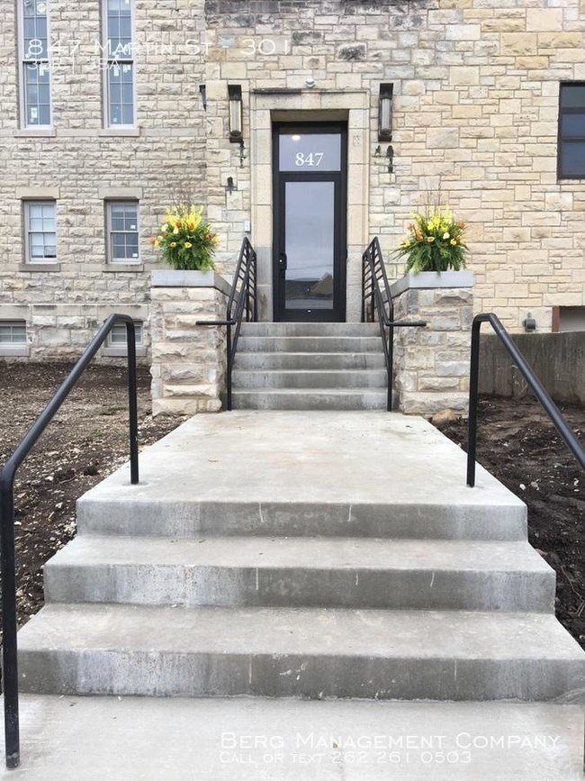 Best 3 Bedroom In Waukesha Wi 53186 Apartment For Rent In With Pictures