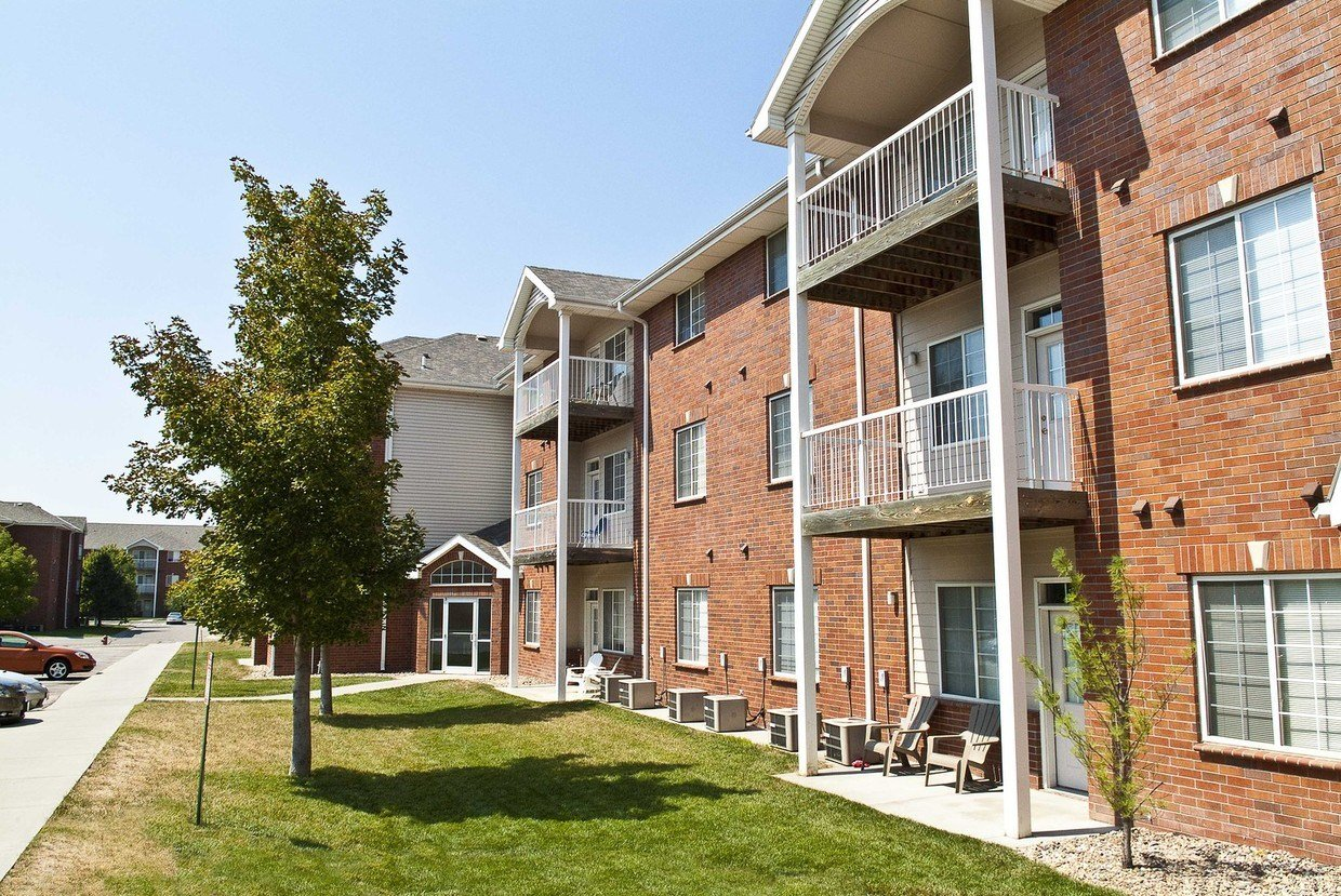Best Lakeside Village Apartment Homes Apartments Lincoln Ne Apartments Com With Pictures