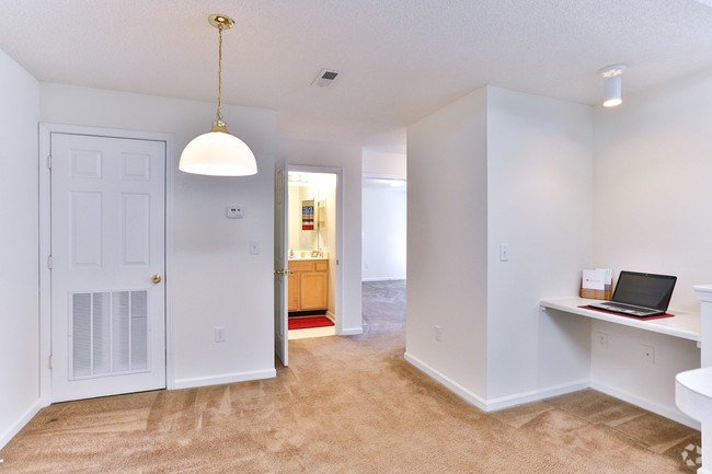 Best Woodland Creek Apartments Salisbury Nc Apartments Com With Pictures
