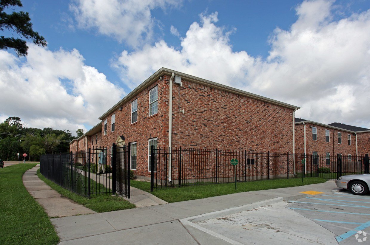 Best Forest Park Apartments Apartments New Orleans La With Pictures