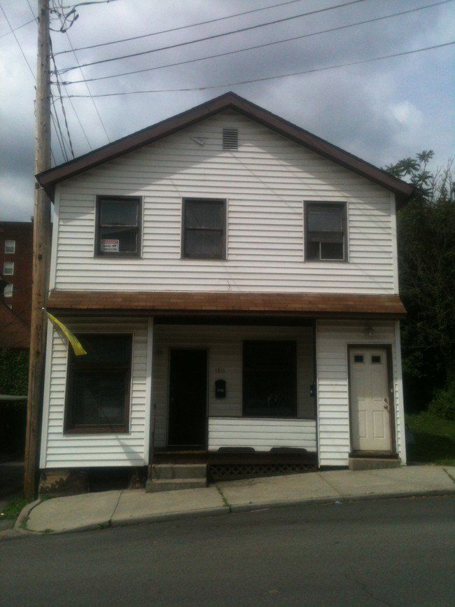 Best 1311 11Th St Unit 1St F Altoona Pa 16601 Apartment For With Pictures