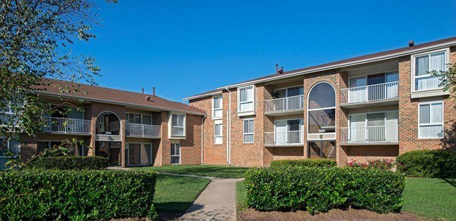 Best University Apartments Apartments Norfolk Va With Pictures