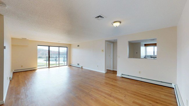 Best Bayview Luxury Apartments Apartments Fall River Ma With Pictures