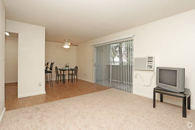 Best The Redwoods Apartments Apartments Modesto Ca With Pictures