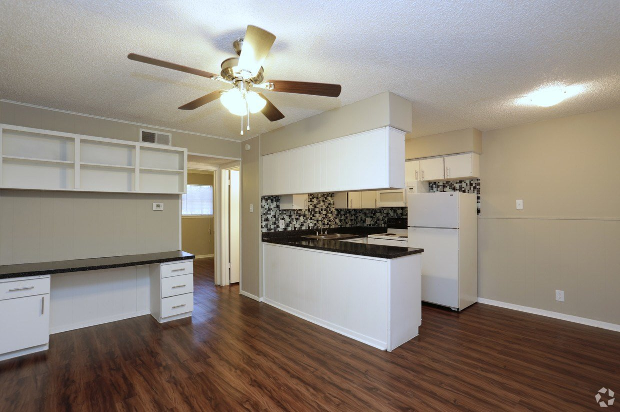 Best University Courtyard Apartments Waco Tx Apartments Com With Pictures