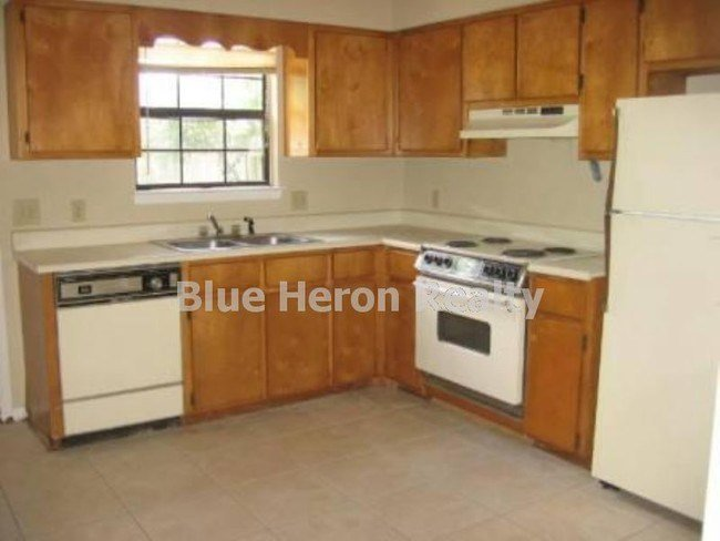 Best Large 2 Bedroom Townhome Only 750 House For Rent In With Pictures